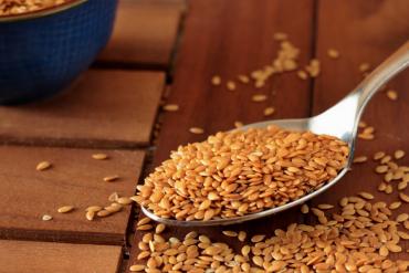 semi di lino prorpietà e ricette in cucina e cosmesi