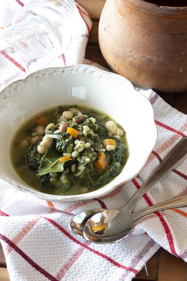 zuppa di orzo con spinaci